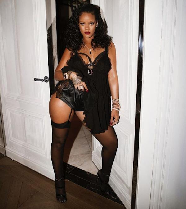 Rihanna na festa de lançamento de sua marca de lingerie, Savage x Fenty. (Foto: Instagram Rihanna/ Reprodução)