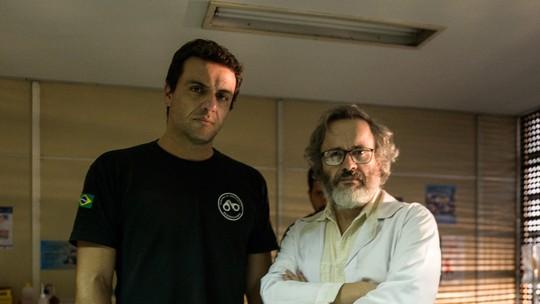 Rodrigo Lombardi apresenta novo presídio de 'Carcereiros' e fala sobre rumos de seu personagem