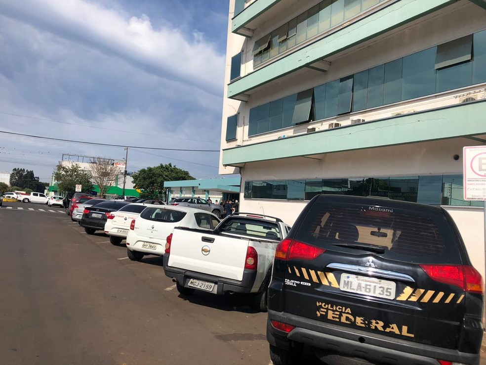 Ação da polícia ocorre no Hospital Regional São Paulo, em Xanxerê — Foto: Fernanda Moro/ NSC TV