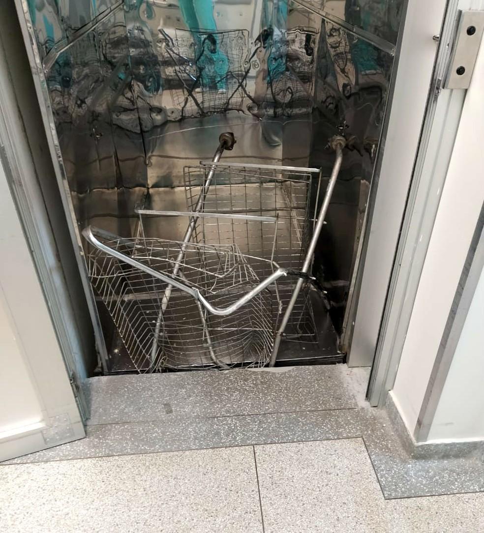 Elevador que caiu era utilizado apenas para o transporte de cargas do centro cirúrgico;  — Foto: Arquivo pessoal