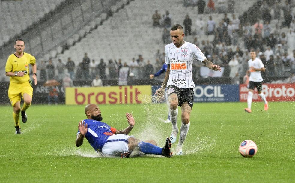 Luan foi para o Corinthians no fim do ano passado — Foto: Marcos Ribolli
