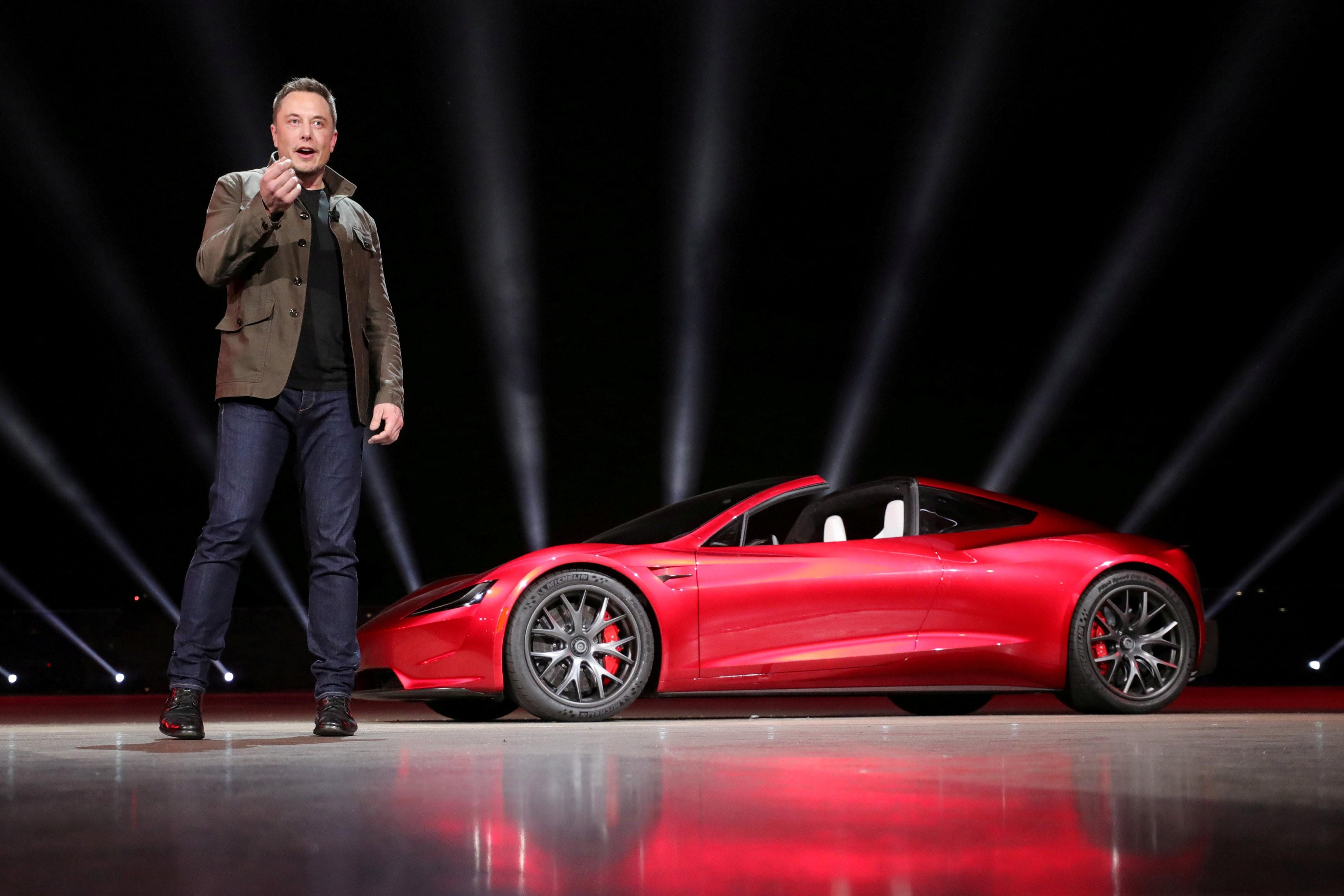 Lucros trimestrais da Tesla alcançam o recorde de US$ 1,1 bilhão