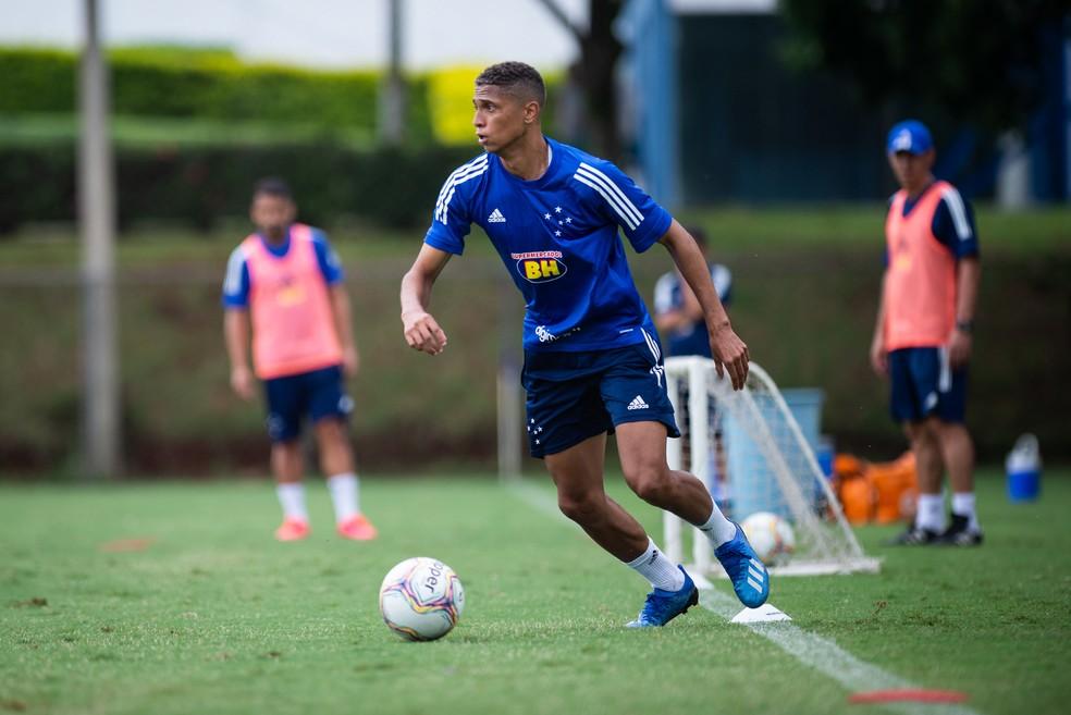 Rafael Santos, lateral-esquerdo do Cruzeiro — Foto: Bruno Haddad / Cruzeiro