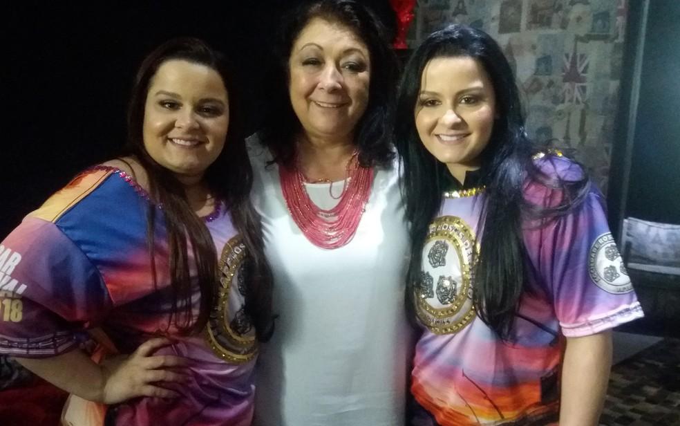 A dupla Maiara e Maraísa com a presidente da Rosas de Ouro, Angelina Basílio (Foto: Divulgação/Rosas de Ouro)