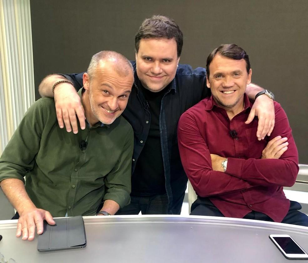 Rodrigo Rodrigues com os comentaristas Sergio Xavier e Petkovic — Foto: Divulgação