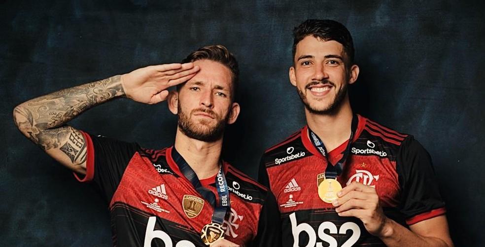 Léo Pereira e Gustavo Henrique receberam atenção especial — Foto: Divulgação Conmebol