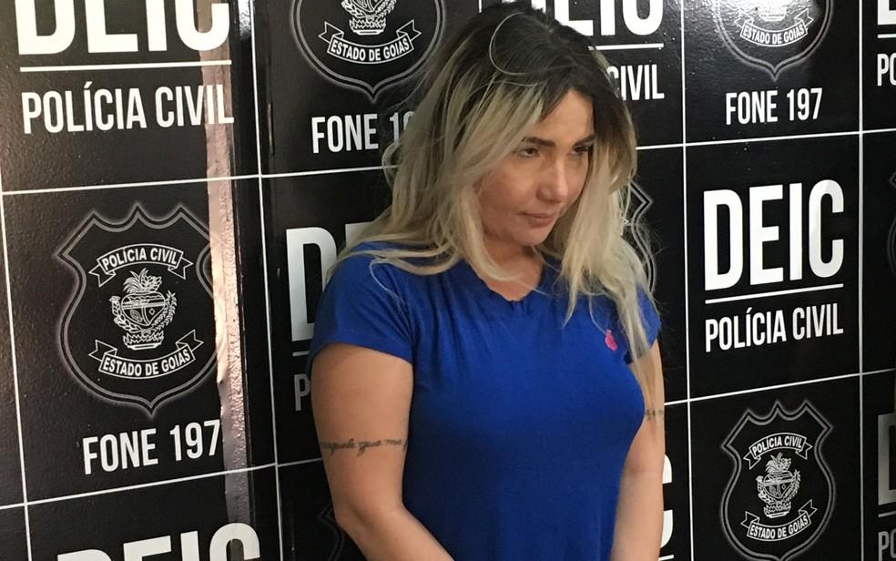 Daniele Matos é presa após tentar transferir dinheiro da conta de servidora do STJ (Foto: Paula Resende/ G1)