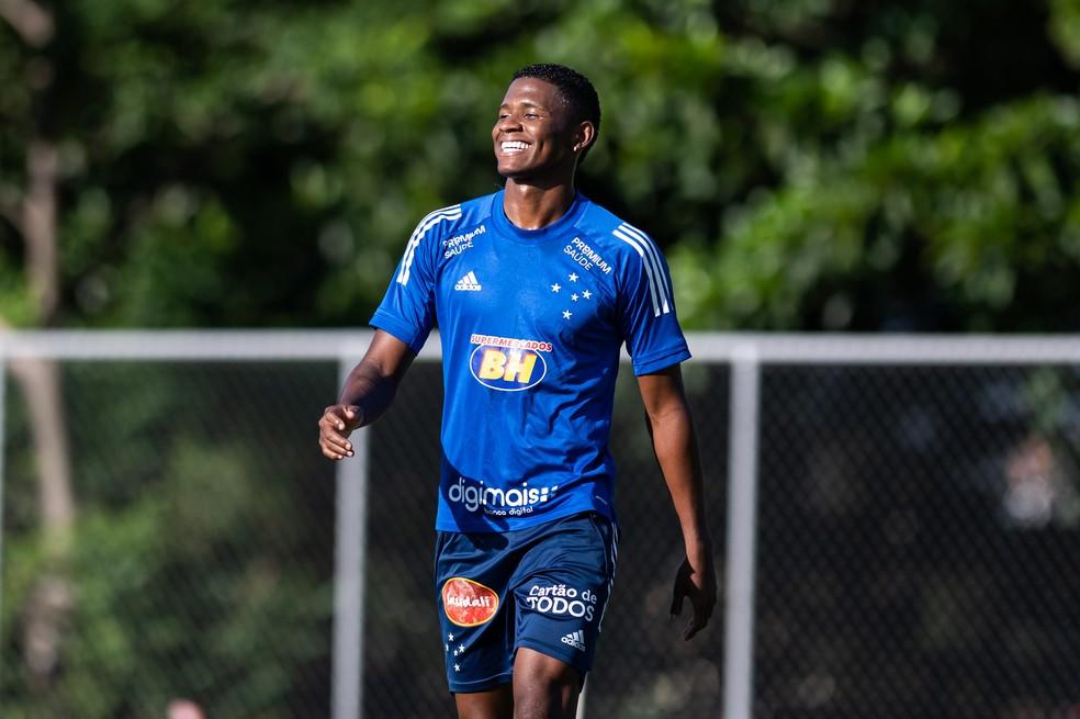 Orejuela, lateral-direito do Cruzeiro — Foto: Bruno Haddad/Cruzeiro