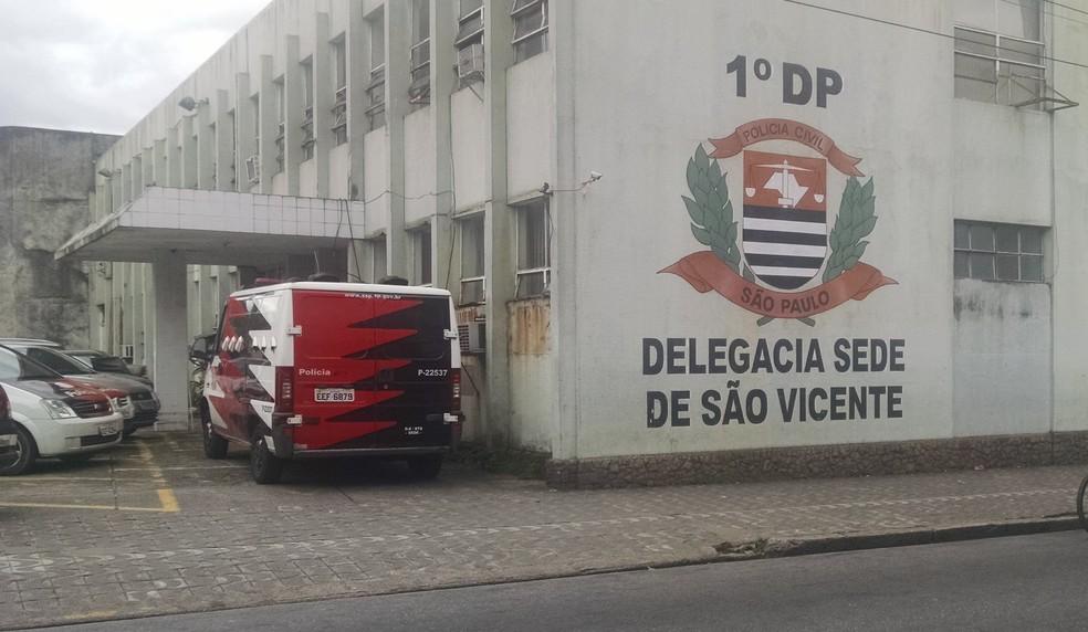 Caso foi encaminhado para a Delegacia Sede de São Vicente, SP (Foto: Rafaella Mendes/G1)