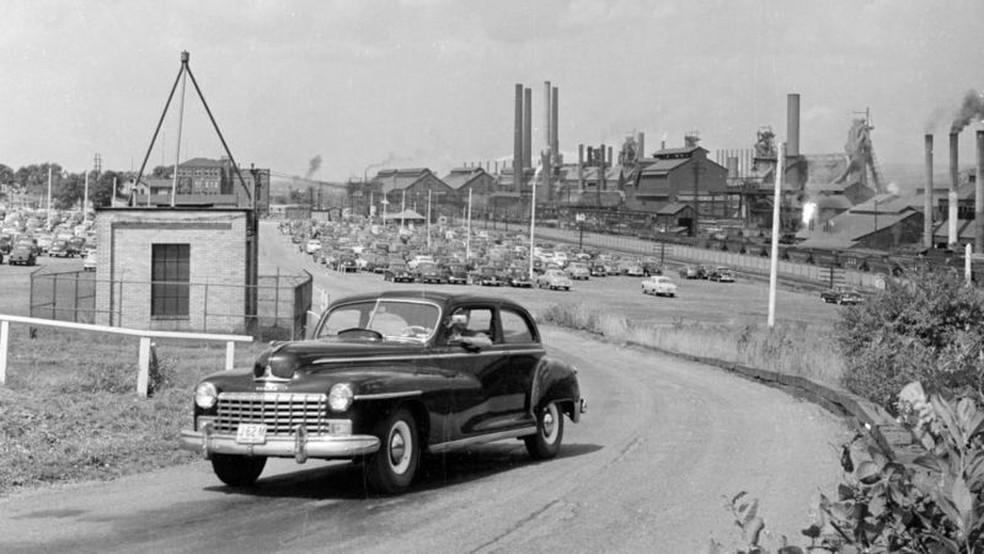 Youngstown nos anos 1950: região do cinturão da ferrugem vive lenta decadência há décadas — Foto: Getty Images