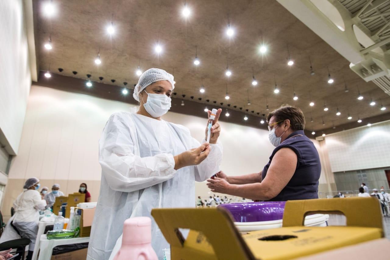 Repescagem para quem perdeu data da vacina contra Covid em Fortaleza vai até 28 de junho