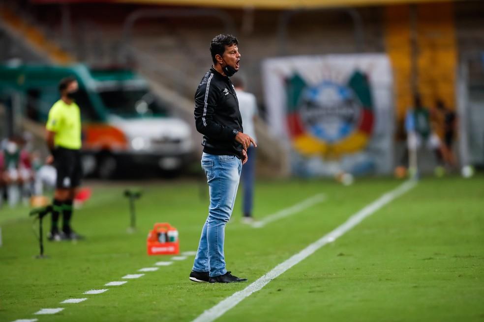 Alexandre Mendes, auxiliar técnico do Grêmio x Independiente del Valle — Foto: Staff Images/Conmebol