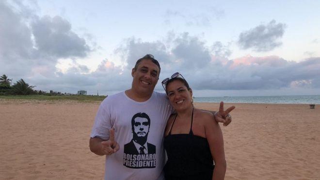 Douglas e Janine têm candidatos diferentes: ele vota em Jair Bolsonaro, ela, em Álvaro Dias (Foto: Arquivo pessoal via BBC News Brasil)