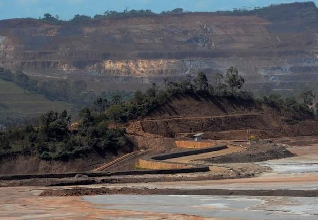 Vista da mina da Samarco na cidade de Mariana, em Minas Gerais. A empresa pertence à mineradora Vale e à BHP Billiton (Foto: Washington Alves/Reuters)