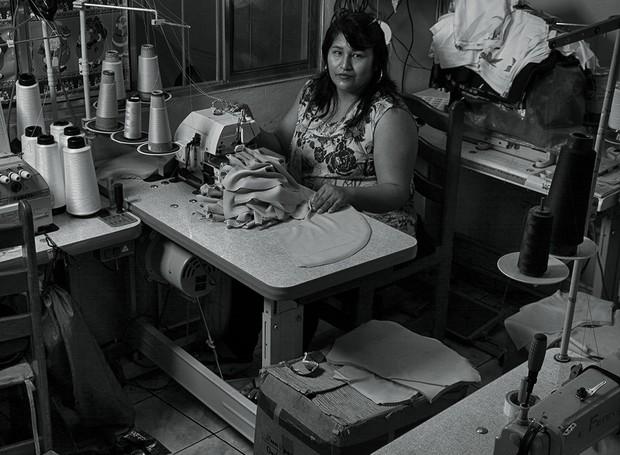 A mostra alerta sobre a exploração de migrantes por parte da indústria têxtil (Foto: Chico Max/Divulgação)