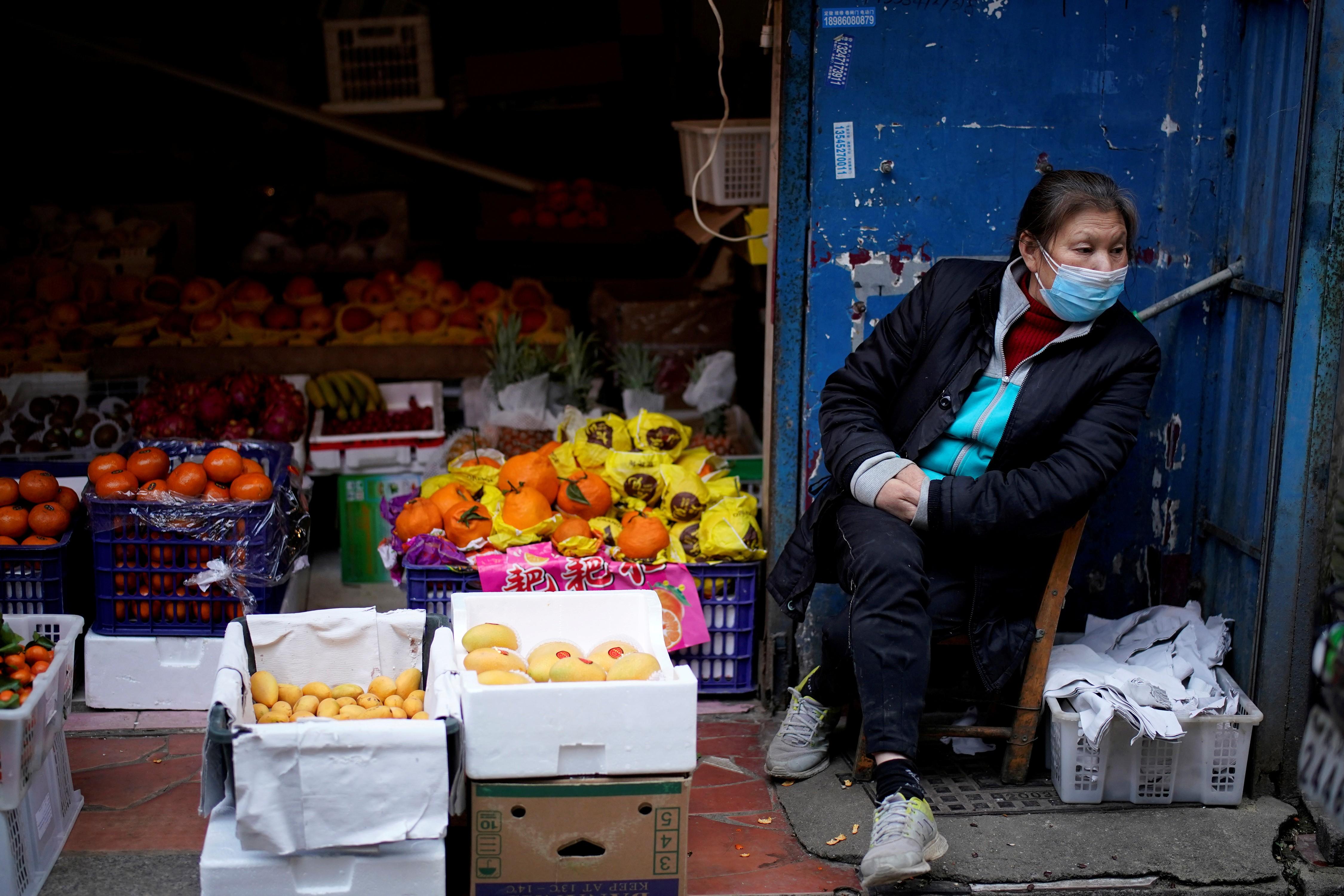 China apoia que OMS avalie a 'resposta mundial' à pandemia