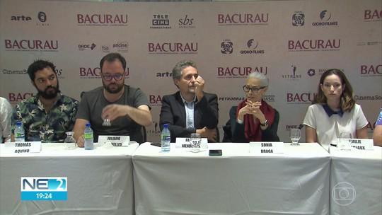 Atores e diretores de Bacurau falam sobre filme e acompanham pré-estreia no Recife