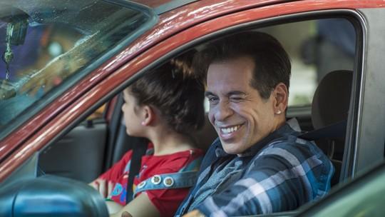 Público se identifica com personagens e estreia de 'A Cara do Pai' bomba na web