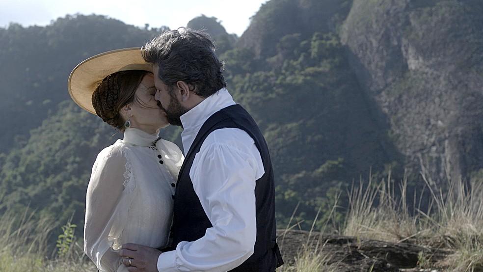 Após declaração de Pedro, Luísa decide deixar o Brasil em 'Nos Tempos do Imperador' — Foto: Globo