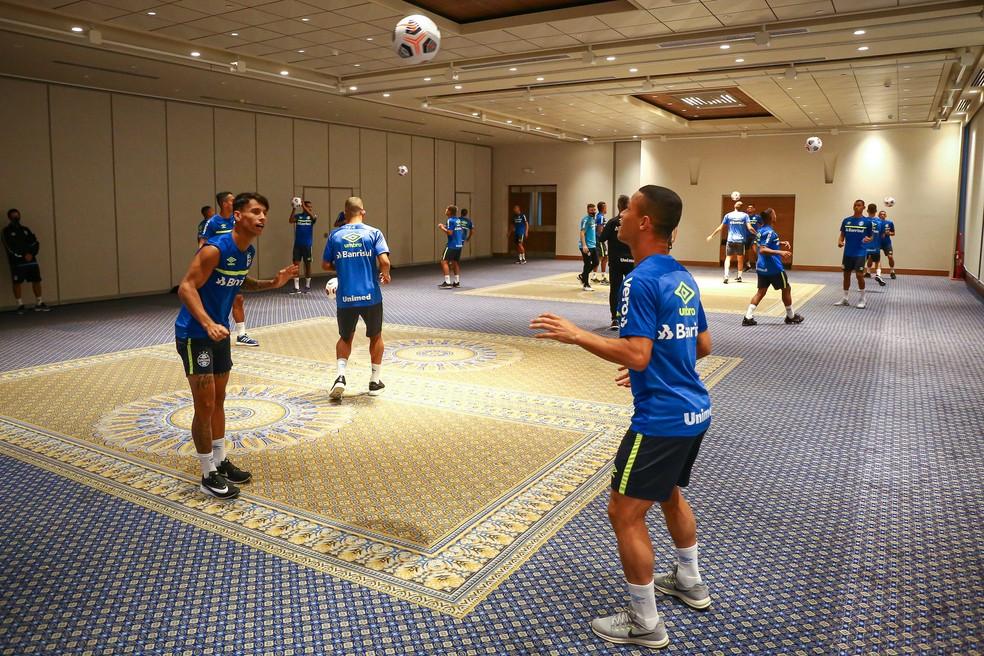 Elenco do Grêmio treina no hotel em Quito — Foto: Lucas Uebel/Divulgação Grêmio