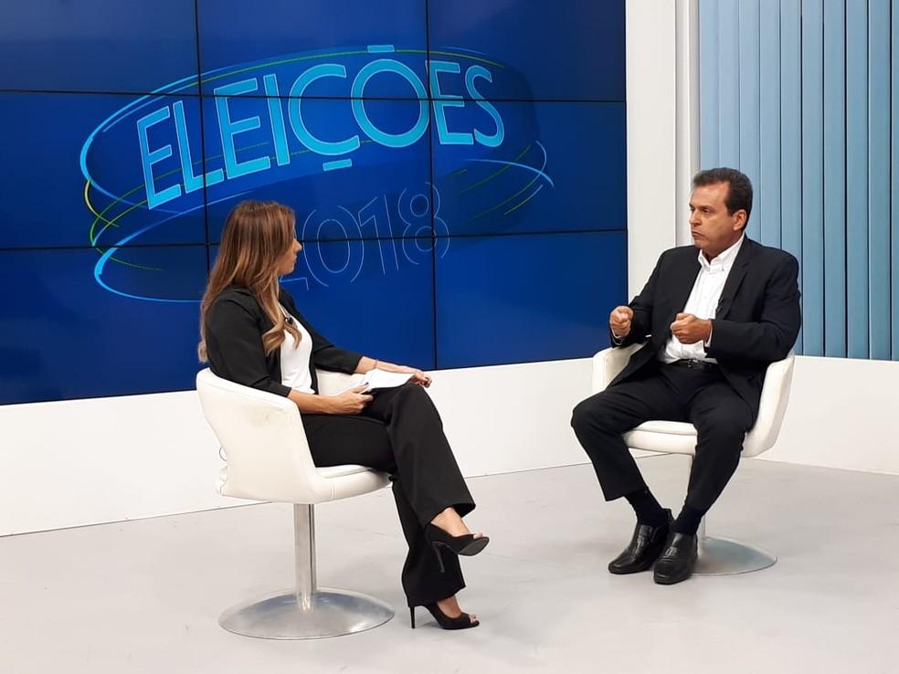 Carlos Eduardo (PDT) foi o entrevistado desta segunda-feira (15) na rodada de entrevistas do RNTV 2ª Edição com os candidatos ao governo do RN — Foto: Fernanda Zaul/G1