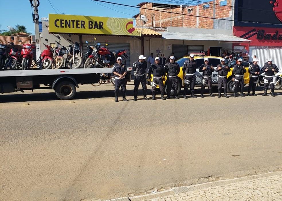 Segundo o Comando de Policiamento Rodoviário Estadual (CPRE), as apreensões foram feitas porque os veículos estavam com a documentação irregular — Foto: PMRN/Divulgação