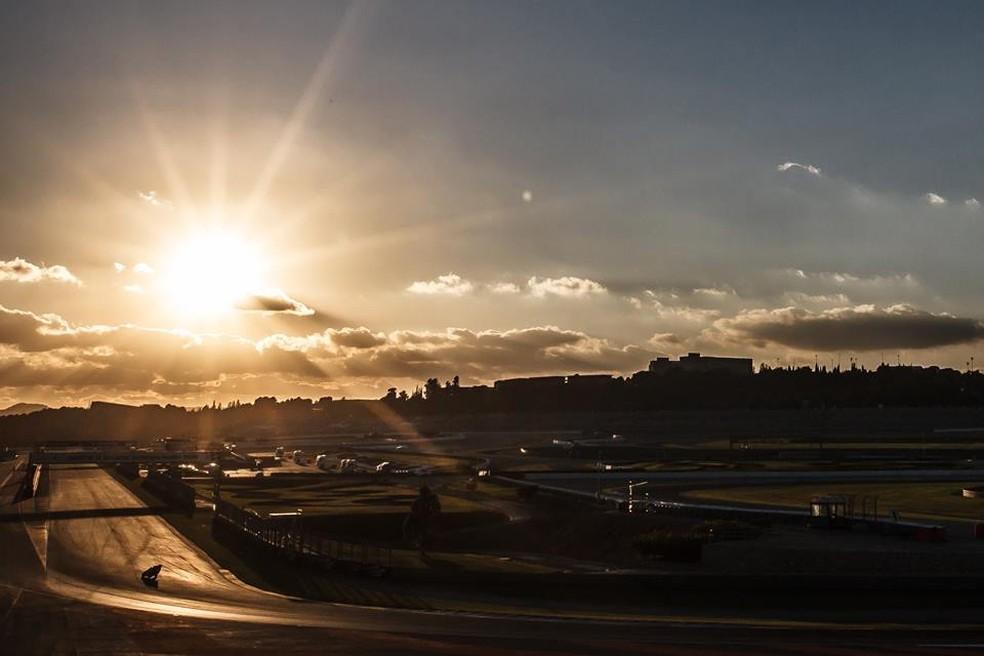Valência aguarda o Mundial de Motovelocidade nos dias 15, 16 e 17 deste mês... — Foto: Internet