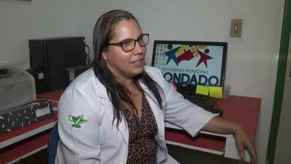 Coordenadora de enfermagem de hospital em Condado, Simony Fernandes disse que unidade não faz partos complicados — Foto: Reprodução/TV Globo