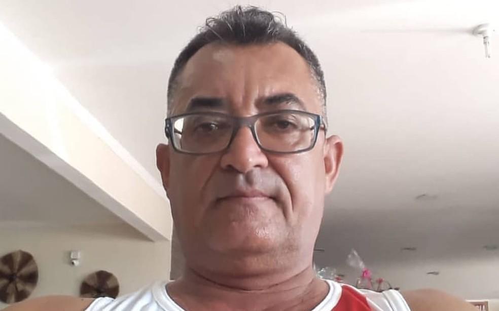 Homem é procurado pela polícia por esfaquear ex-companheira e enteada de 12 anos na Bahia — Foto: Polícia Civil/Divulgação