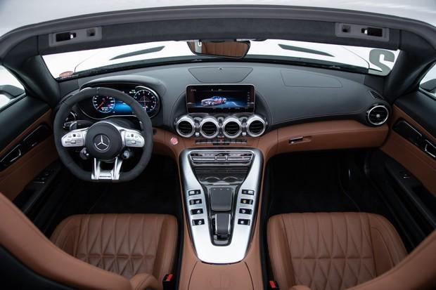 Mercedes AMG GT C  (Foto: Divulgação )