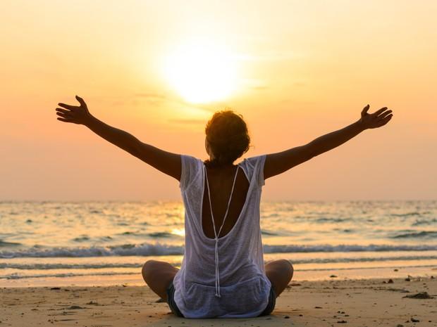 3 práticas diárias para ter uma vida feliz, segundo 100 psicólogos - Época  Negócios | Vida