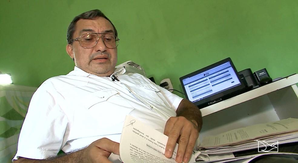 Mesmo sendo do mesmo partido, o vereador Lauro Sousa já entrou com oito representações contra o prefeito de Anajatuba (Foto: Reprodução/TV Mirante)