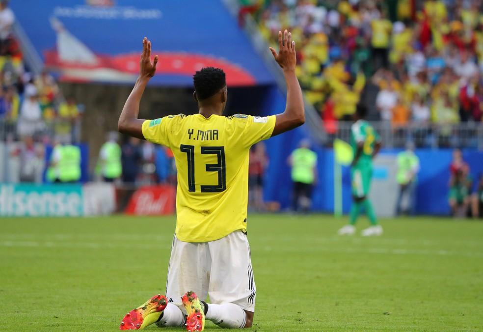 Mina comemora gol sobre Senegal (Foto: Marcos Brindicci/Reuters)