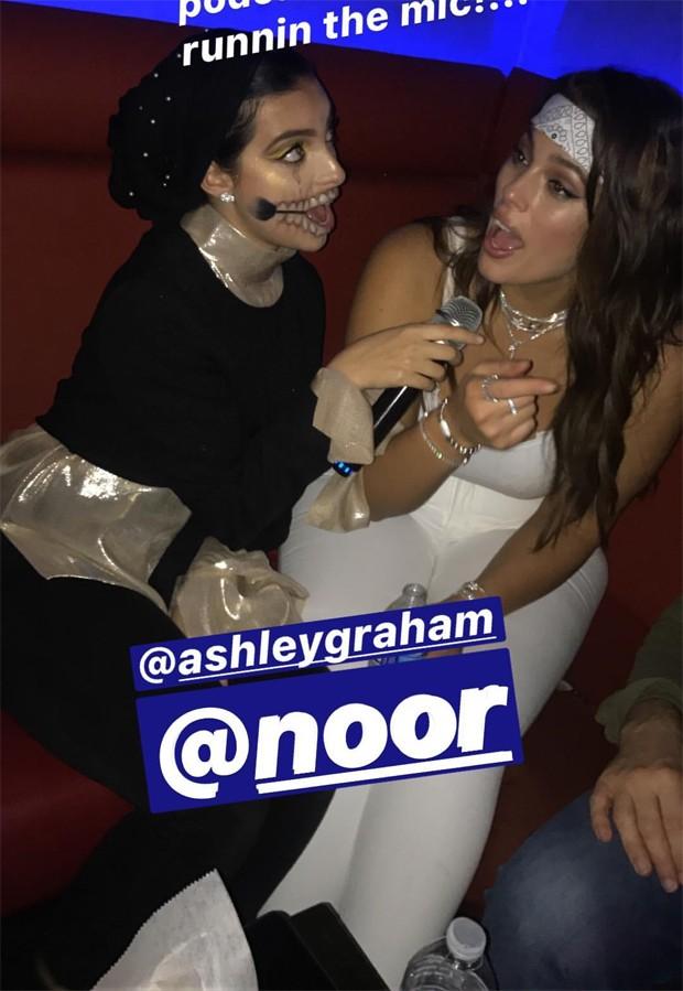 Ashley Graham e amiga (Foto: Reprodução/Instagram)