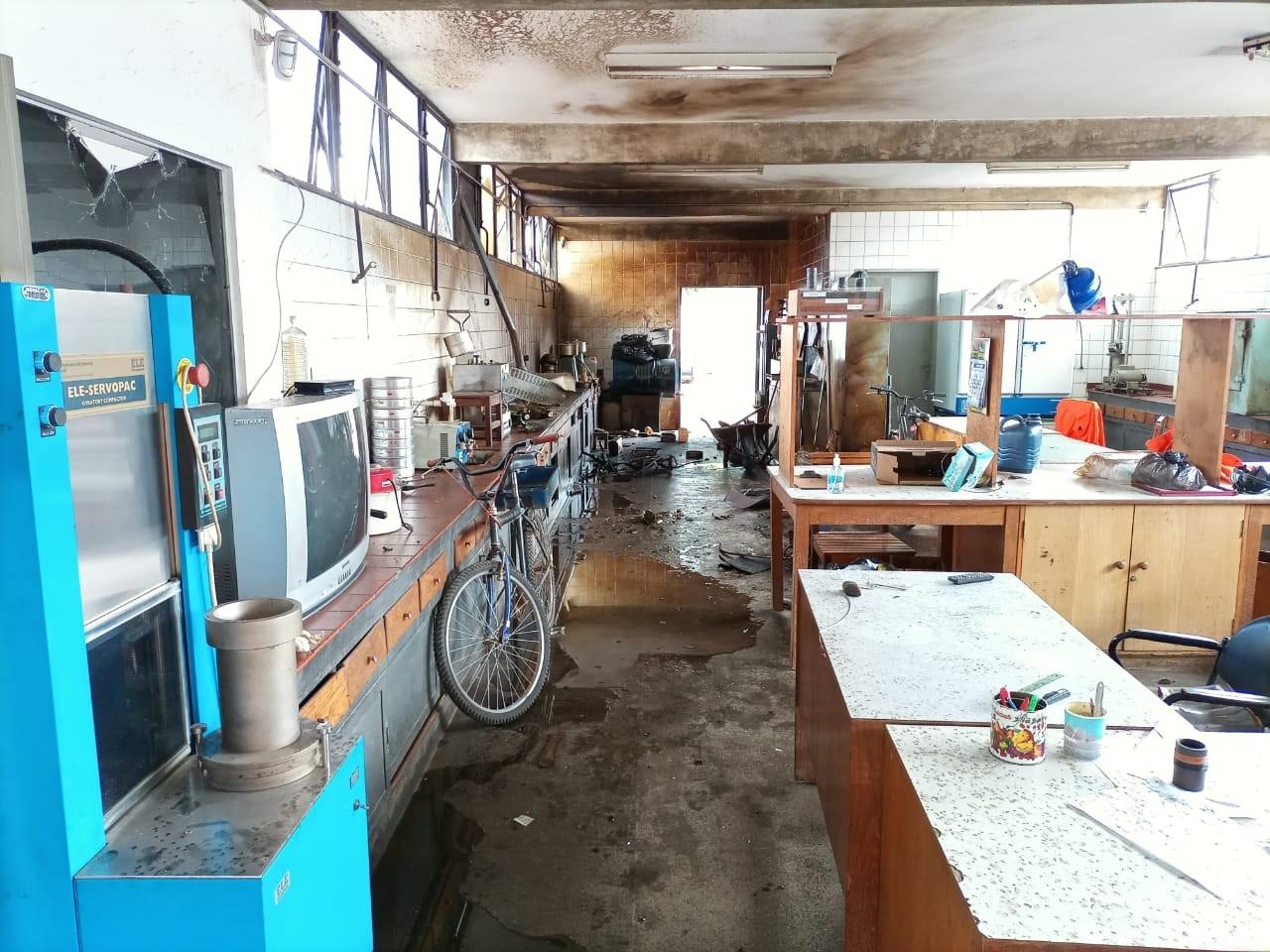 Máquina de laboratório explode em prédio da Novacap, no DF