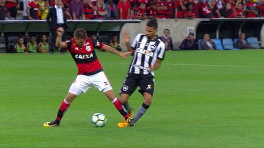 """Pimpão, sobre falta de desculpa a Matheus Fernandes: """"Cada pessoa tem um caráter"""""""