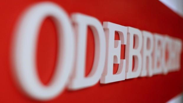 Logomarca da Odebrecht em um dos escritórios da empresa na Cidade do México (Foto: Carlos Jasso/Reuters)
