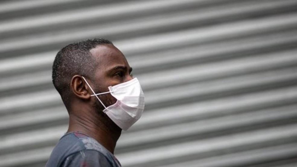 Máscaras podem ser usadas para prevenção contra coronavírus — Foto: Getty Images