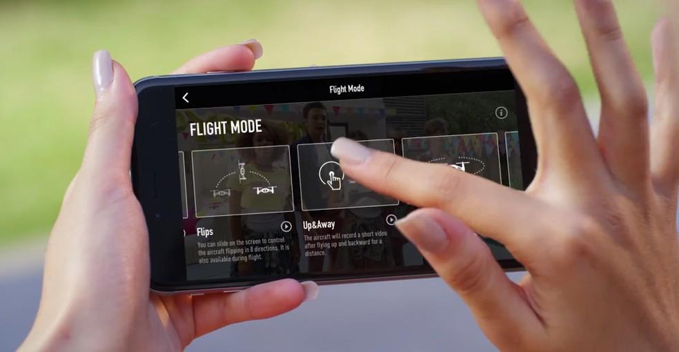 Drone Tello pode ser totalmente controlado pelo celular, armazenamento capturas da galeria do smartphone — Foto: Divulgação/DJI