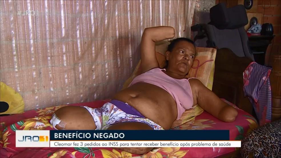 Atualmente, Cleomar diz depender de doações para viver com a filha — Foto: Rede Amazônica/Reprodução