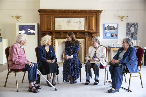 Elizabeth Diacon, Georgina Rose, Kate Middleton, Audrey Mather e Rena Stewart  (Foto: Getty Images)