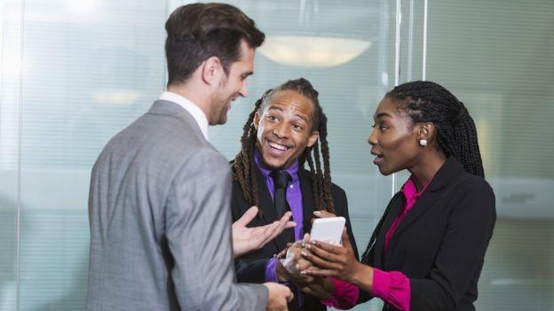 Um escritório mais 'falante' tende a ser mais criativo (Foto: Getty Images)