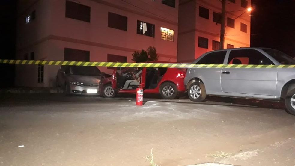 Motor do veículo chegou a incendiar — Foto: José Aparecido/TV Morena