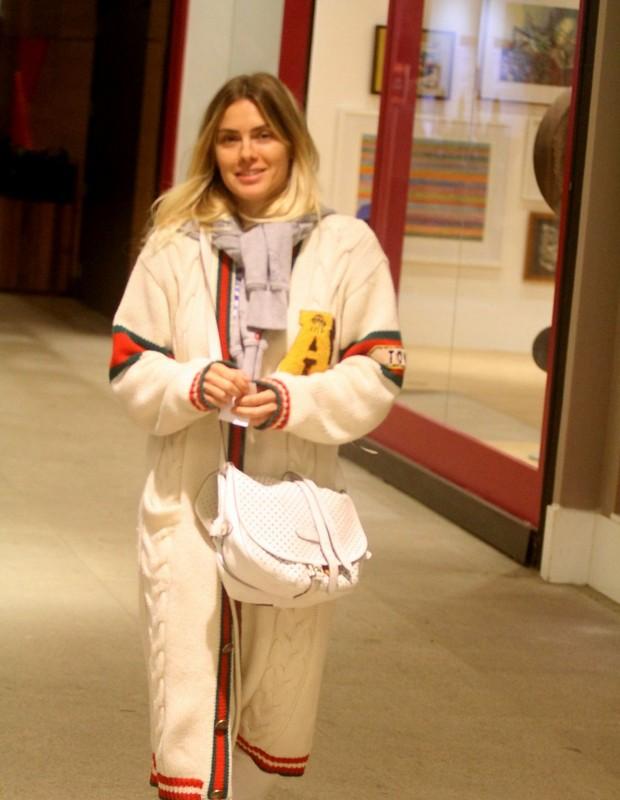 Carolina Dieckmann exibe look charmoso (Foto: Divulgação)