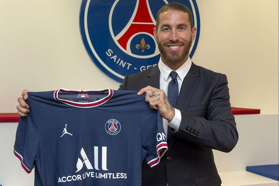 Oficial: Sergio Ramos é anunciado pelo PSG e assina contrato por dois anos