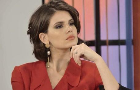 Na quinta-feira (21), Vanessa (Camila Queiroz), que estará seduzida pelo poder dos Ferreira Lima, não reagirá bem quando Jerônimo (Jesuíta Barbosa) lhe avisar que ela não precisará mais se casar com Quinzinho (Caio Paduan) TV Globo