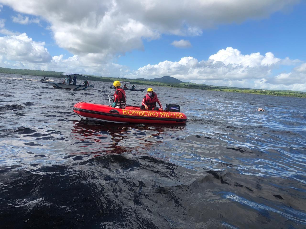 Bombeiros localizam últimos dois corpos de pessoas que sumiram após embarcação virar na Bahia