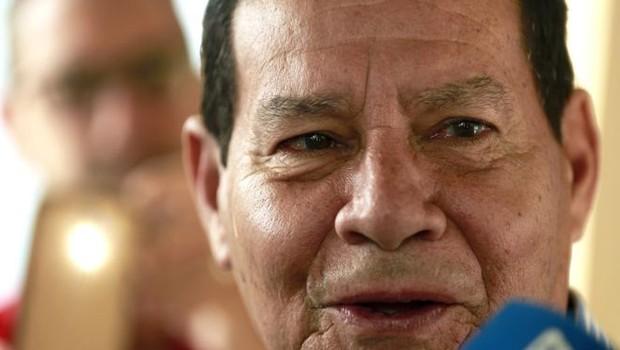 Mourão diz que ser o contrário de um 'vice decorativo' (Foto: EPA via BBC News Brasil)