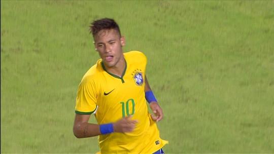 Falta? Neymar treina para transformar dor em gol e quebrar jejum de 47 jogos