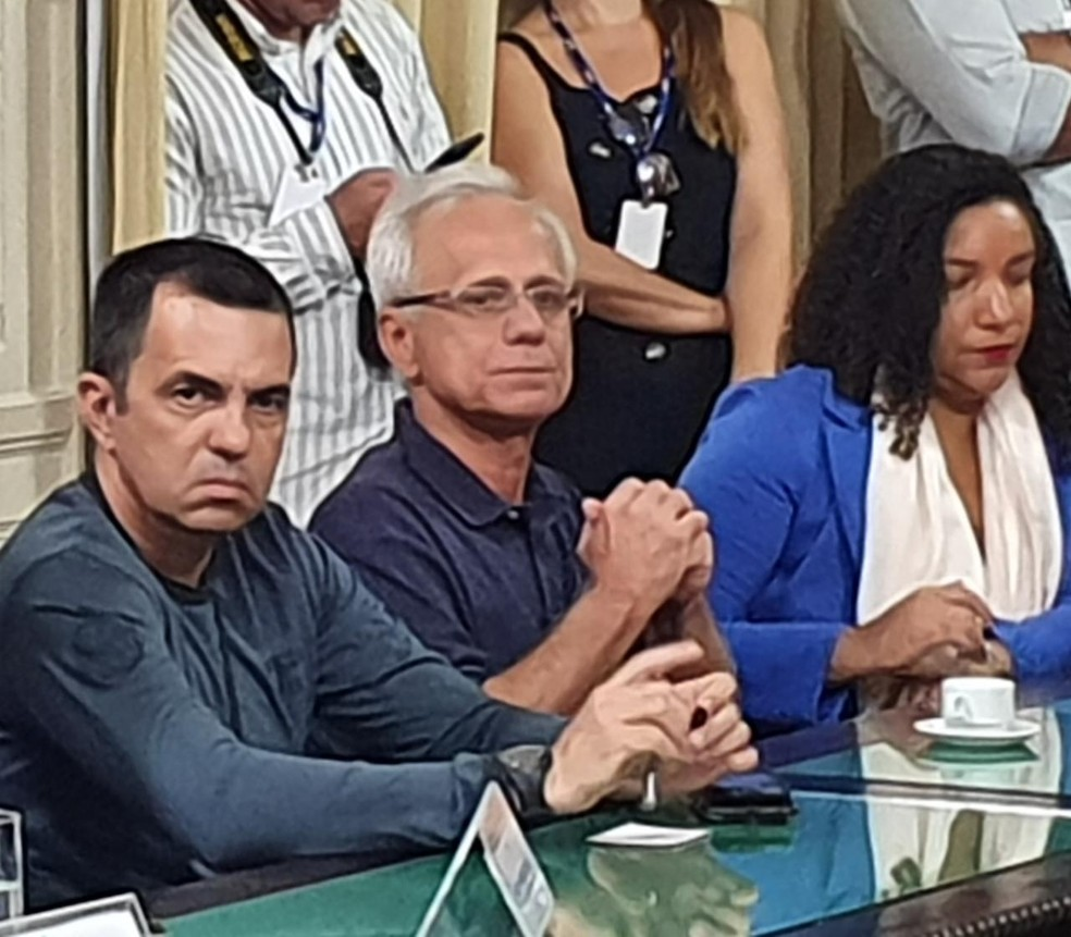 Reinaldo Belotti (de óculos), CEO do Flamengo, foi enviado às pressas pelo clube para a CPI — Foto: Ronald Lincoln Jr